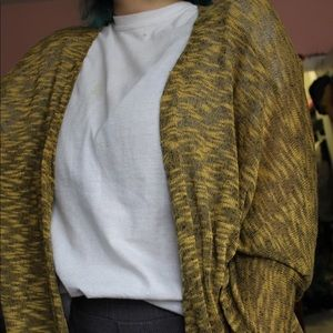 LuLaRoe Sweaters - ☀️Medium length LuLaRoe Cardigan